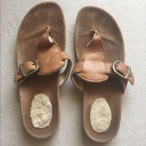 UGG Sandals/ flip flops